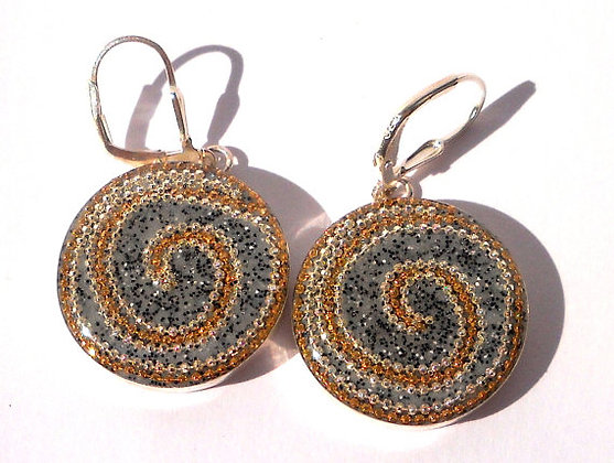 Round Silver earrings with spirals