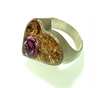 Heart ring with gold foil and purple rose