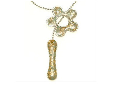 Green flower gold dots pendant necklace