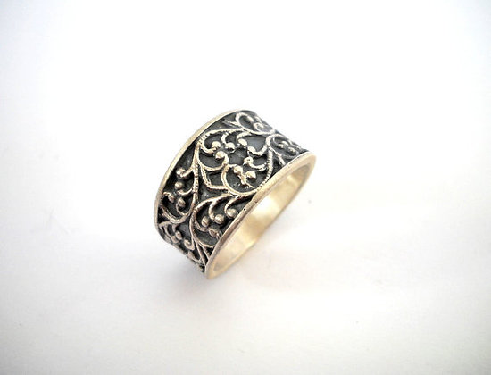 Filigree detailing Ring