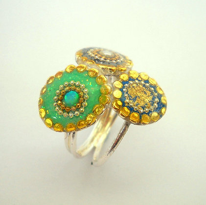 Three rings.colorful bouquet ring