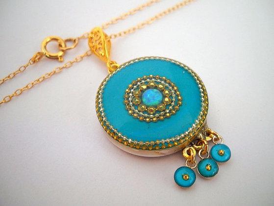 Blue mint dangling round pendant set with opal gem