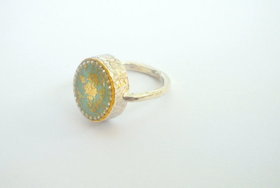 Oval Green Gold ring