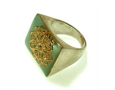 Rectangle green ring with gold flower