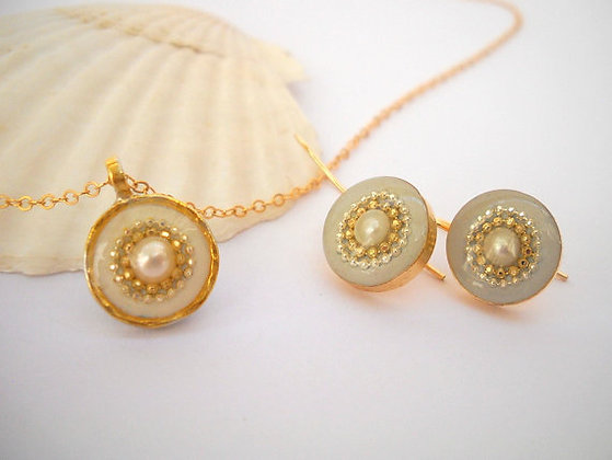 Pearl set necklace and earring