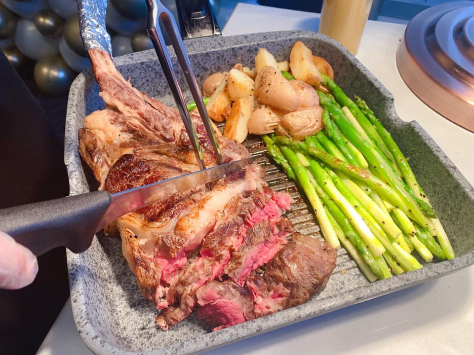 Slow-cooked Tomahawk Steak 1.jpg