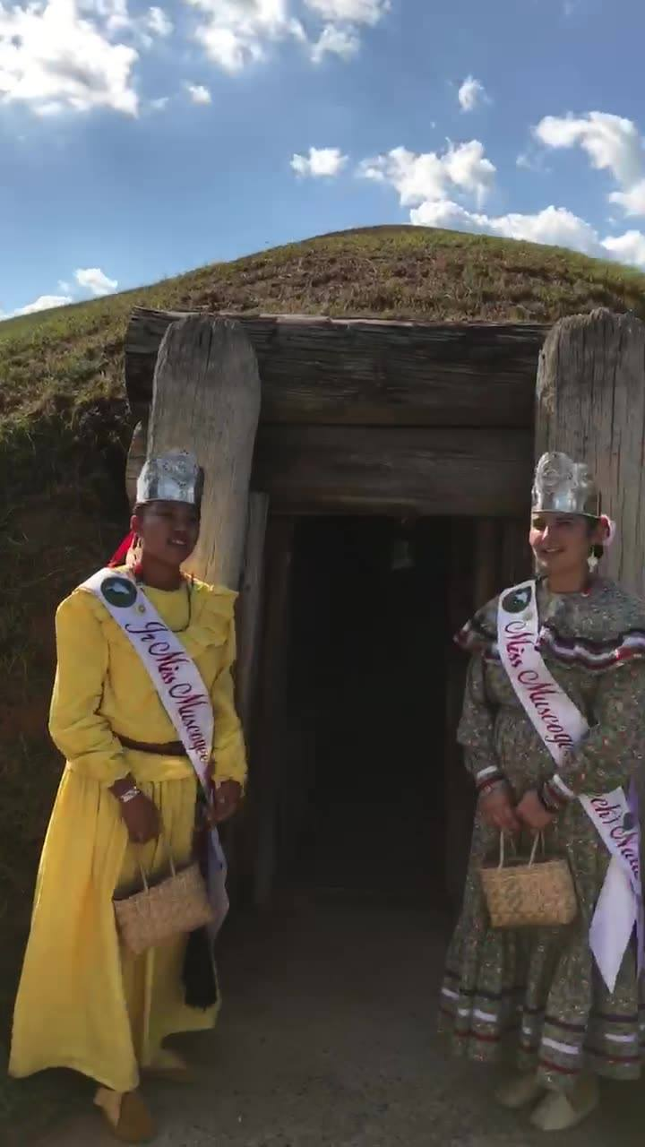 Mvskoke Royalty invites you to take a look inside one of the historic mounds at the Ocmulgee National Monument ! #MvskokeRoyalty