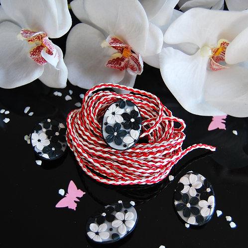 Martisoare flori alb negre
