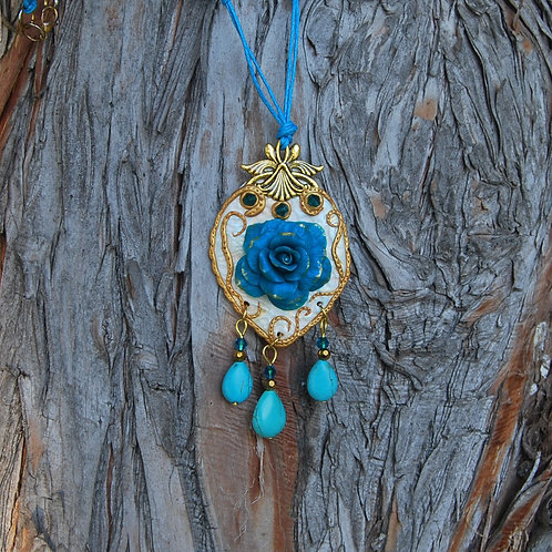 Pandantiv trandafir albastru glamour