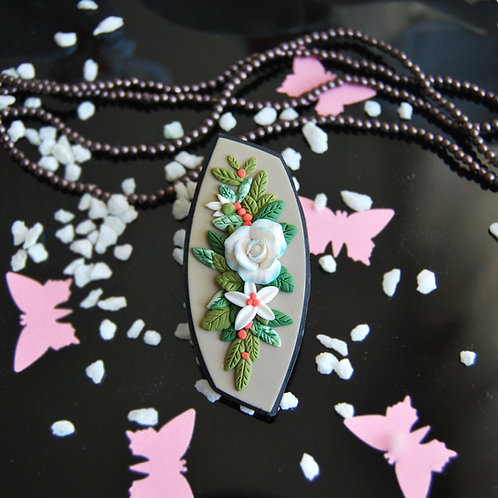 Martisor brosa trandafir alb