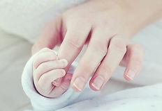 赤ちゃんの握り