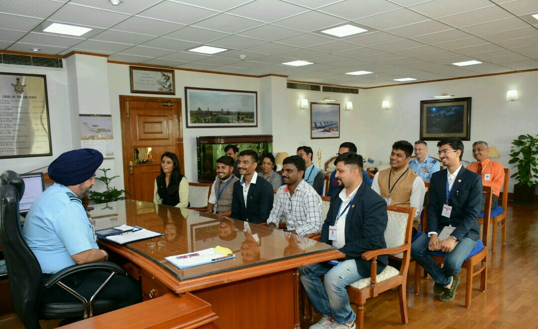 PMLG Students with Air Chief Marshall.jp