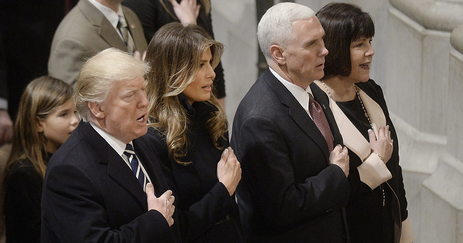 636512023550504973-EPA-USA-NATIONAL-PRAYER-SERVICE-TRUMP-88170946.JPG