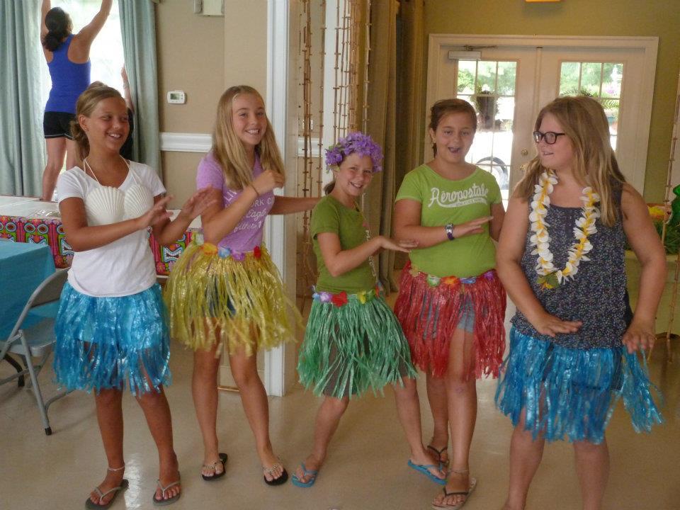 Hula Girls at Luau