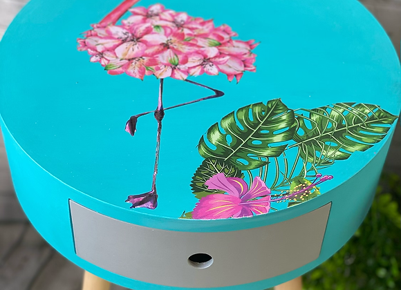 Flamingo side tables