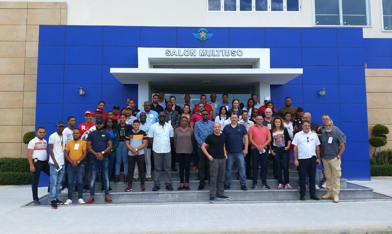 el grupo frente al CESAC (1).jpeg