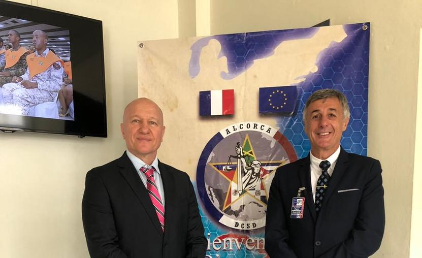 Mayor Thierry PAPON,Coordinador ALCORCA y el Tte Coronel Pierre FERNANDEZ , director del CIFAD