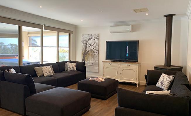 Luxury Accommodation - The Summit22