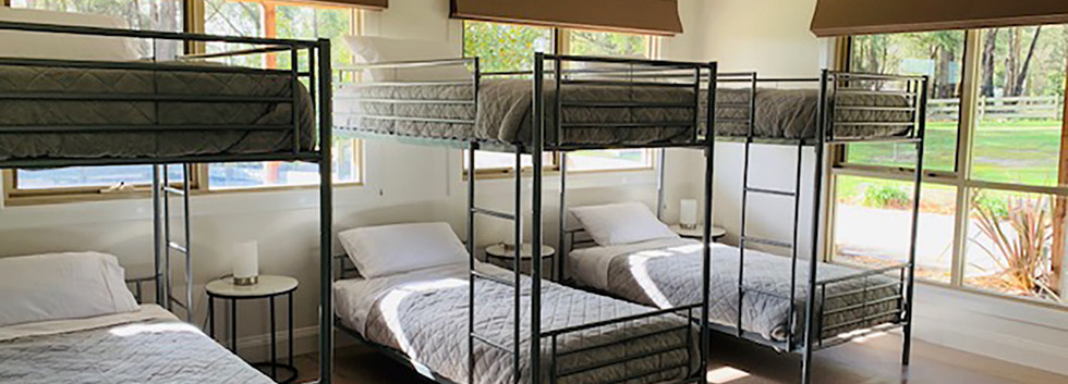 Luxury Accommodation - The Summit19