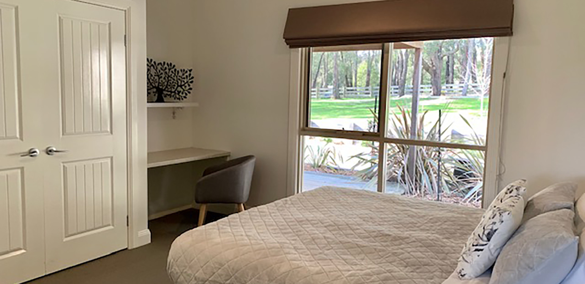 Luxury Accommodation - The Summit17