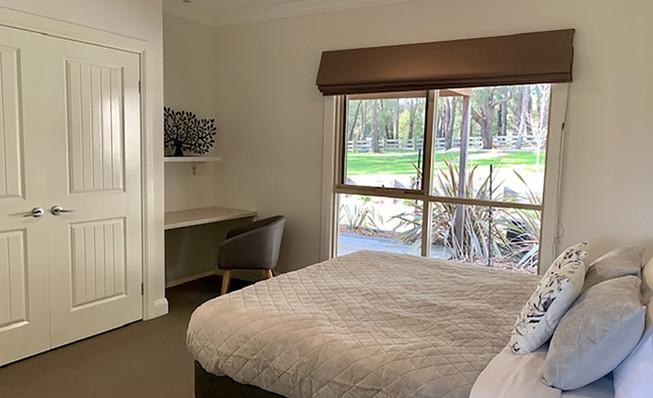 Luxury Accommodation - The Summit26