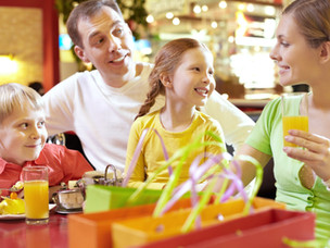 50+ Dinner table questions to ask your kids for better conversations