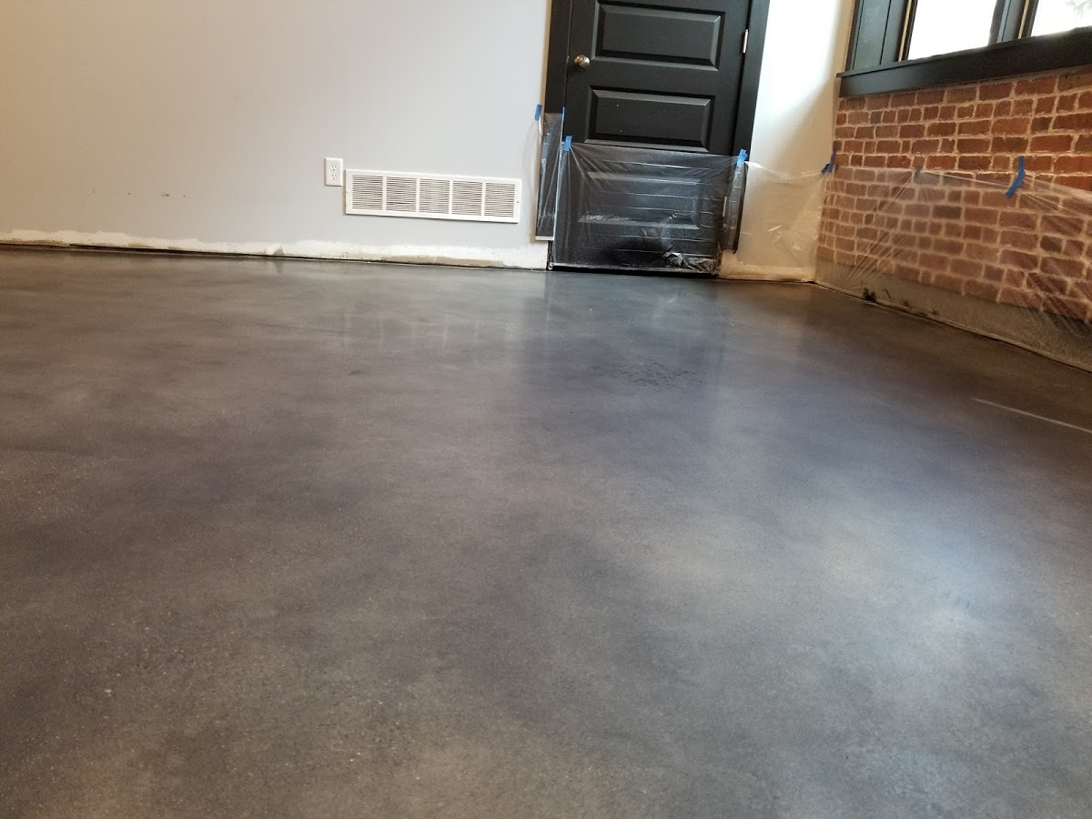 Low gloss polished concrete with gra