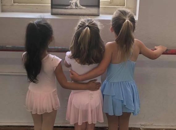 sweet pre-dancers