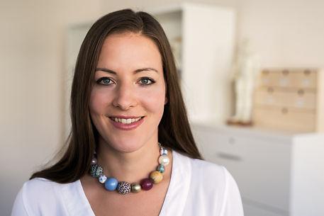 Zsofia Csaszar, acupuncture