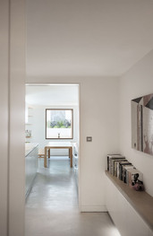 7-Notting-Hill-Westbourne-Grove-garden-flat-extension-crittall-concrete-floor-skylight.jpg