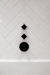 11-Maida-Vale-Westminster-garden-flat-extension-refurbishment-bathroom-design-black-taps.j