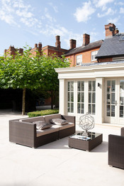 5_Berkshire-country-house-orangery-conservatory-period-property-cornicing-details.jpg