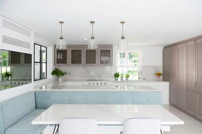 15_-Berkshire-mansion-farley-court-bespoke-furniture-upholstery-lighting-design.jpg