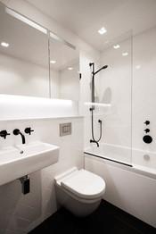 10-Maida-Vale-Westminster-garden-flat-extension-refurbishment-bathroom-design-black-taps.j