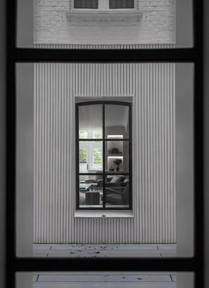 8-Notting-Hill-mansion-block-refubishment-light-well-timber-cladding-Crittall.jpg