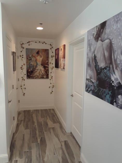 Private Ladies Room