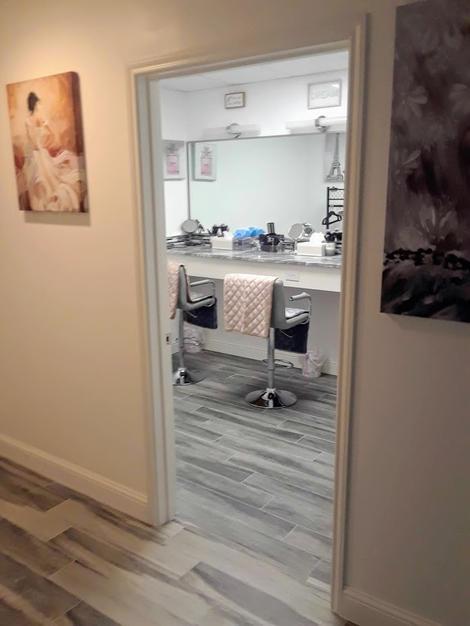 Dressing Area Inside Ladies Room