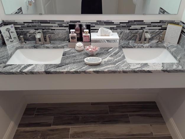 Double Vanity w/ Deep Sinks