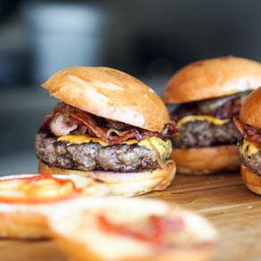 """How to Build a Healthy and """"Foodful"""" Burger"""