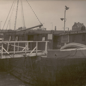 The original Chelsea Yacht & Boat Company at Cheyne Pier in the 1940's