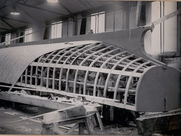 36ft HL hull frame under construction-19