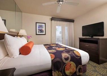Lake Havasu -Bed-Bridgeview-Bedroom.jpg