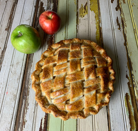 Apple Pie with Caramel Sauce