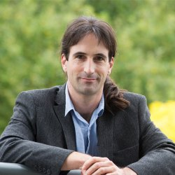 Dr Daniel Abásolo