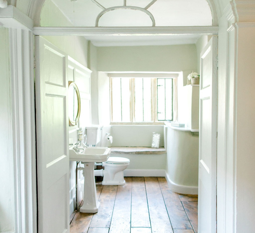 The beautiful and wonderfully light bathroom in the honeymoon suite