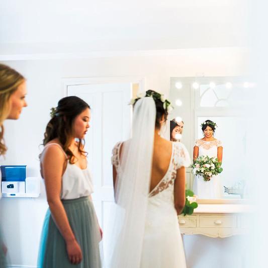 Bridal Prep in the Bridal Suite