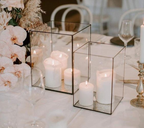 Modern & Contemporary centrepiece; glass square candle holders