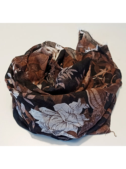 Foulard in Bamboo art. Brown Flowers