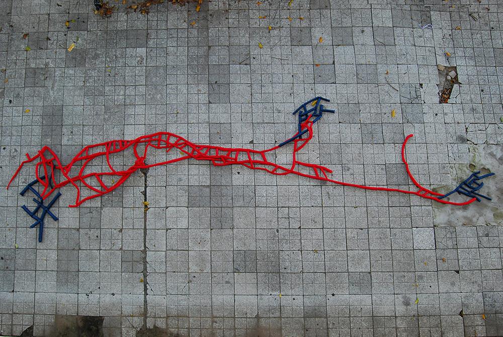 Tetê Barachini. map_object_[12mc]stm (2007). Tecido sintético e espuma. 4.90x0.90x0.10m (aproximadamente). Foto: Alinne Zucolotto