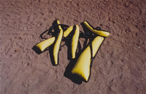 Tetê Barachini. Desobjeto Circulolinha (1991). Tecido sintético e poliuratano expandido.2.70x1.50x0.40m (aproximadamente)